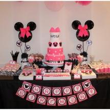 zebra-pink-minnie-mouse-inspired-birthday-party_djed-2